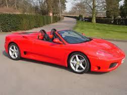 Ferrari 360 Spider: hermoso, lujoso, poderoso y de alto precio.
