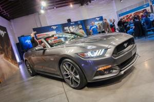 Ford Mustang Convertible 2015: imponente, agresivo y más deportivo.