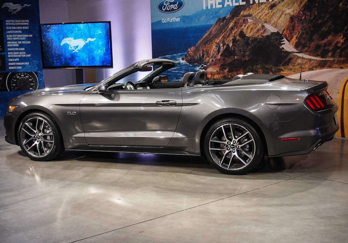 ford mustang convertible 2015 prices u s a v6 convertible. Black Bedroom Furniture Sets. Home Design Ideas