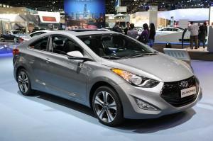 Hyundai i35 Elantra Coupé 2015: generalista, hermoso y cómodo.