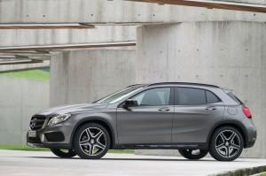 Mercedes Benz  Clase GLA 2015: diseño fluido, elegancia y potencia.