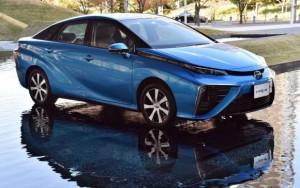 Toyota comenzará a vender en diciembre el Mirai, su carro de hidrógeno.