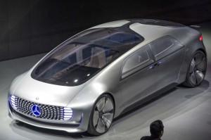 Mercedes Benz F 015 Concept, un carro eléctrico que no requiere conductor.