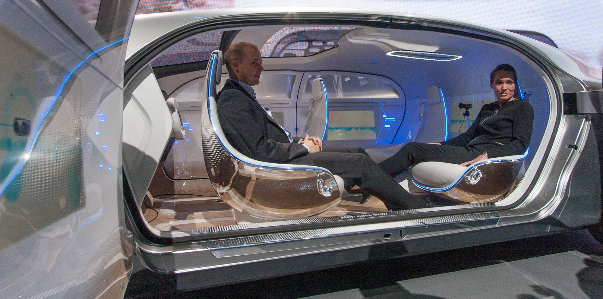 Mercedes benz f 015 concept un carro el ctrico que no for Mercedes benz f