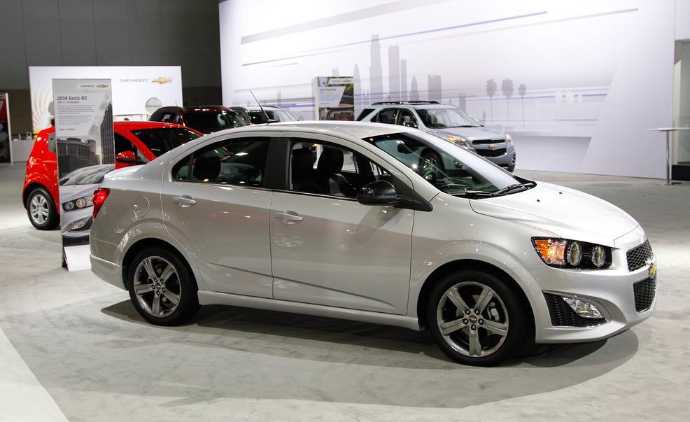 Chevrolet Sonic Sedn 2015 juvenil y refinado  Lista de Carros