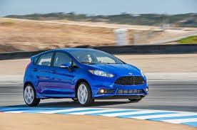 Ford Fiesta Hatchback 2015: deportividad, seguridad, eficiencia y agilidad.