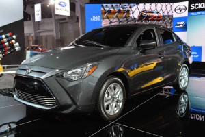 Auto Show de Nueva York 2015: Scion iA, un Mazda 2 maquillado.