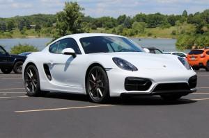 Porsche Cayman 2015: apasionante, atractivo y potente.