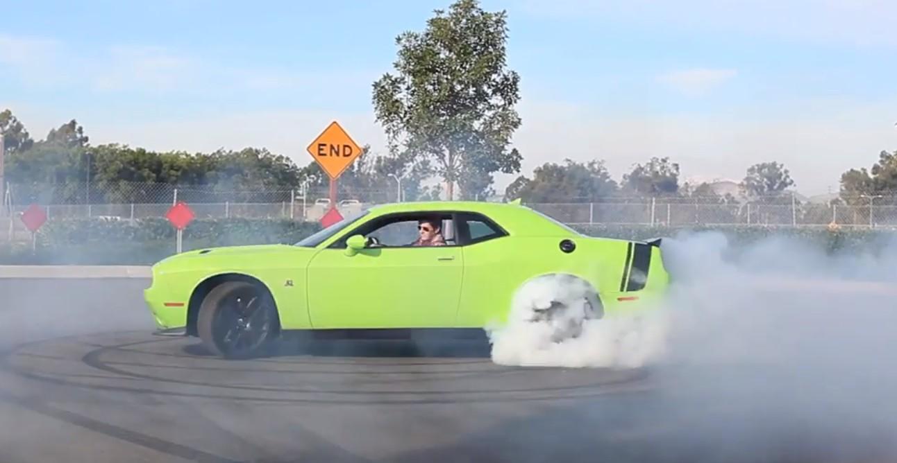 Dodge Challenger 2015: moderno, eficiente, potente y ...