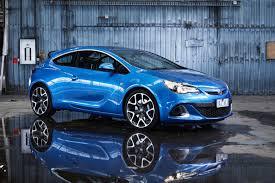 Opel Astra GTC 2015: dinamismo, confort, prestaciones y emociones.