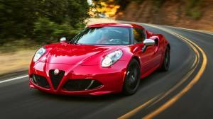 Alfa Romeo 4C Coupé 2015: deportivo, agresivo, impresionante y bello.