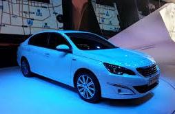 Nuevo Peugeot 408 2015: más eficiente e interesante.