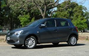 Toyota Etios Hatchback 2015: espacio y confort.