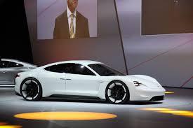 Salón de Frankfurt 2015: Porsche Mission E un concept  con aires futuristas y 100% eléctrico.