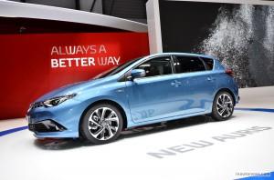 Toyota Auris 2015: espacio, confort, eficiencia y seguridad.