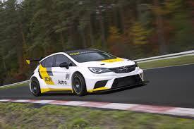 Opel Astra TCR, un Astra para los Circuitos.