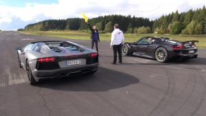 Lamborghini Aventador VS Porsche 918 Spyder (VIDEO)