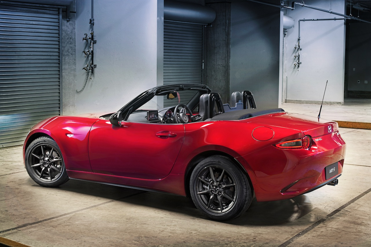 mazda mx 5 miata 2016 exitoso accesible y confiable lista de carros. Black Bedroom Furniture Sets. Home Design Ideas
