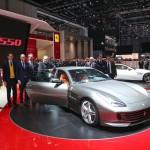 Ferrari GTC4Lusso: En el frontal encontramos un diseño fuertemente inspirado en el del morro de los 488 GTB y F12 Berlinetta, heredando el largo capó de este último.