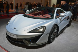 Auto Show de Ginebra 2016: McLaren 570GT, práctico y potente.