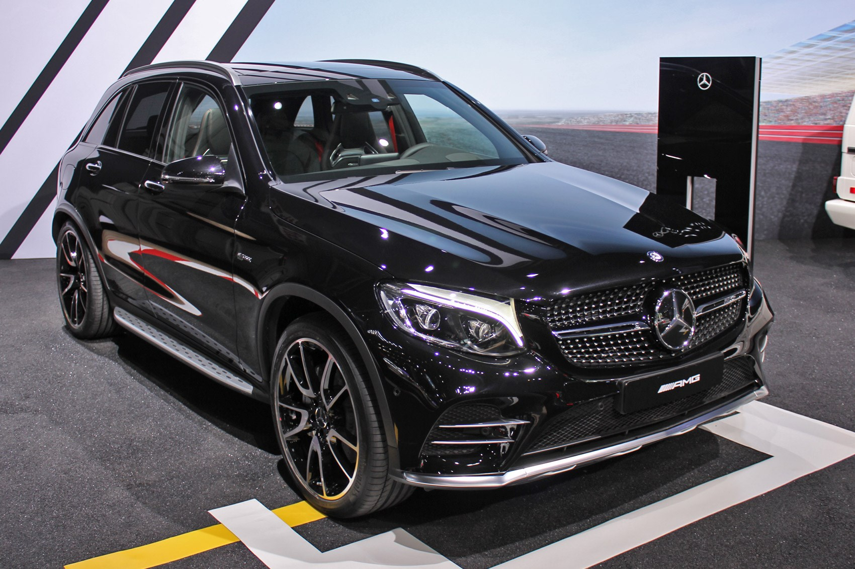 auto show de nueva york 2016 mercedes amg glc 43 2016 lista de carros. Black Bedroom Furniture Sets. Home Design Ideas