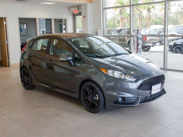 ford fiesta st 2016 gil divertido y eficiente lista. Black Bedroom Furniture Sets. Home Design Ideas