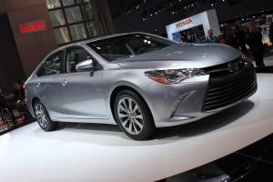 Toyota Camry 2016: exitoso, seguro, deportivo y dinámico.