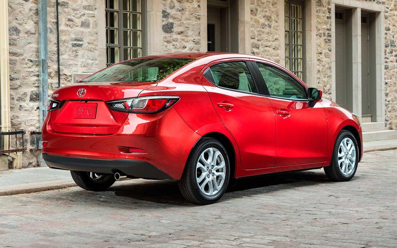 Toyota Yaris R 2016 Juvenil Y Deportivo Lista De Carros