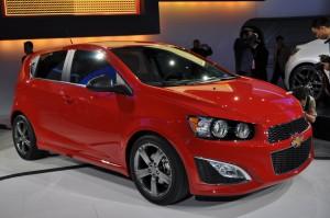 Chevrolet Sonic RS 2016: juvenil y deportivo.