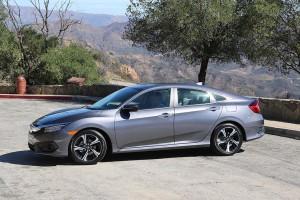 Nuevo Honda Civic Sedán 2016: mejorado y calificado como Top Safety Pick+ por el IIHS.
