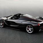 Ferrari LaFerrari Spider: Según algunos rumores la producción del Ferrari LaFerrari Spider estará limitada a tan solo 70 unidades; y su precio será de 5,1 millones de euros, lo cual lo convertiría así en uno de los autos más caros y exclusivos del mundo.