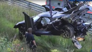 Mira cómo un Koenigsegg One:1 sufre un impresionante accidente (video)