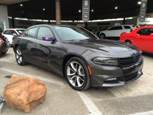 Dodge Charger RT 2016: tecnología, poder y agresividad.