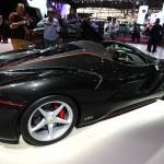 Ferrari LaFerrari Aperta: Del Ferrari LaFerari aperta solo se fabricarán 200 unidades a un precio, sin confirmar, de unos 2.2 millones de dólares. Adicionalmente se fabricarán 9 unidades adicionales para mostrarlos en los eventos referentes a los festejos del 70 aniversario de la marca del Cavallino Rampante, que se cumple en 2017.