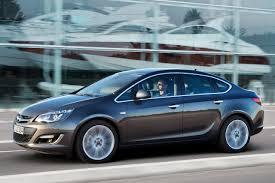 Opel Astra Sedán 2016: más ligero, más pequeño y más elegante.