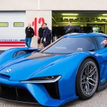 NIO EP9: la compañía NextEV TCR (Team China Racing), una compañía china que participa en la Fórmula E,  ha presentado en Londres un superdeportivo eléctrico de calle que es, simplemente, el más rápido de cuantos han rodado en Nürburgring. Se trata de un biplaza de motor central, diseño rompedor y cero emisiones completó su vuelta al Infierno Verde en sólo 7 minutos, 5 segundos y 12 décimas. Si así es, el NIO EP9 es el auto eléctrico más rápido del mundo al lograr un mejor registro que el de los Nissan GT-R Nismo o Porsche 911 GT2 RS y sólo superado por los Lamborghini Aventador SV y Porsche 918 Spyder, entre los autos de su segmento con motor de combustión.
