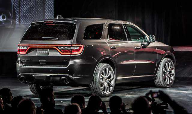 dodge durango 2017 refinamiento elegancia y estilo lista de carros. Black Bedroom Furniture Sets. Home Design Ideas