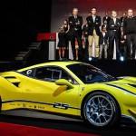 Ferrari 488 Challenge: A raíz de un trabajo de desarrollo exhaustivo que abarcó motor, chasis y aerodinámica, el 488 Challenge batió por un segundo el récord de vuelta en Fiorano (el circuito privado de Ferrari solo para millonarios amantes de los autos y la adrenalina) para estos modelos. La marca anterior estaba en poder del 458 Challenge EVO.
