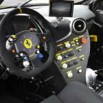 Interior del Ferrari 488 Challenge.