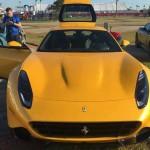 """Ferrari SP275 RW Competizione: Aunque no son datos oficiales se supone que el Ferrari SP275 RW Competizione equipa el mismo motor del tdf, es decir el V12 atmosférico que entregaría los mismos 780 CV, 39 caballos más que el Berlinetta """"convencional"""". Está equipado con una transmisión de doble embrague con 7 relaciones y tracción sobre el tren posterior. Su precio supera los 2 millones de dólares."""