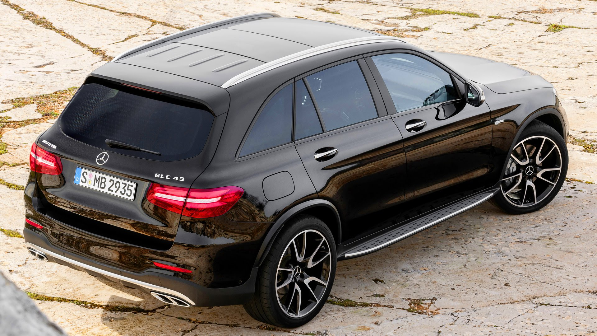 http://www.listadecarros.com/wp-content/uploads/2016/12/Mercedes-Benz-AMG-GLC43-4Matic-Coupe-2017-6.jpg