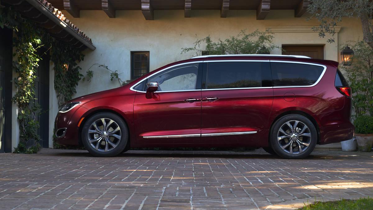 dodge grand caravan 2017 comodidad y bajo precio lista de carros. Black Bedroom Furniture Sets. Home Design Ideas