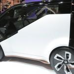 Honda NeuV Concept: Es un concept car eléctrico equipado con inteligencia artificial (AI) y un asistente personal automatizado. El vehículo aprenderá del conductor al detectar sus emociones y, en base a las decisiones tomadas con anterioridad, le ofrecerá diferentes opciones. Por ejemplo, puede recomendarle música en función de su estado de ánimo y darle soporte en su rutina de conducción diaria.