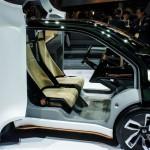 Honda NeuV Concept: Cuando el coche no está en uso, también puede generar y vender energía a la red eléctrica en momentos de alta demanda. Asimismo, está pensado para funcionar como un vehículo autónomo compartido, al transportar a terceras personas cuando no se está usando.