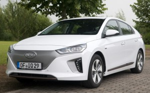 Hyundai IONIQ EV 2017: un auto eléctrico bastante interesante.