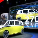 Volkswagen I.D. Buzz Concept: VW ha asegurado que el prototipo estaría caracterizado por la plataforma modular desarrollada para la propulsión eléctrica (MEB). Además, tendría capacidad para 8 pasajeros, gracias a sus 4,94 metros de largo y a su batalla de 3,30 metros, esto permite que el vehículo tenga una habitabilidad especial pues puede albergar hasta ocho pasajeros, además de ofrecer un sin número de combinaciones para acomodar como plegar los asientos.