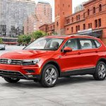 Volkswagen Tiguan Allspace: Tiene como rivales al Skoda Kodiaq, Kia Sorento, Nissan Pathfinder, Nissan X-Trail, Mazda CX-9, Toyota Highlander, Toyota 4Runner, Chevrolet Captiva, Ford Escape, Honda CR-V, Jeep Cherokee, Jeep Compass, Hyundai Santa Fe y al Peugeot 5008