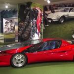 Ferrari Testa D'Oro Colani: Fue creado por el diseñador industrial Luigi Colani, sobre la base de un Testarossa, sale a la venta por 1,7 millones de dólares. Creado para batir récords de velocidad en las salinas de Bonneville, se convirtió en uno de los Ferrari más raros y extravagantes de la historia de la marca.  Por su atrevido diseño es único en el mundo. Su precio es de 1.7 millones de dólares.