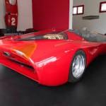 Ferrari Testa D'Oro Colani: Por supuesto, más allá de su diseño peculiar, este auto es puro poder. Y es que supera los 750 caballos de fuerza, gracias a su potente motor de 12 cilindros, lo que le permite alcanzar una velocidad máxima de nada menos que 350 kilómetros por hora.  Su precio es de 1.7 millones de dólares.