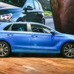 Hyundai Elantra GT 2018: Saldrá a la venta este próximo verano. Aunque su precio no se ha confirmado se espera que este ronde los $20,000 dólares.